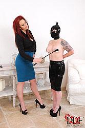 Slavegirl Gets Candle Waxed