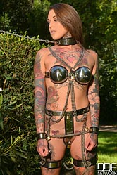 Lauren. Tattooed Sub beauty gets leashed
