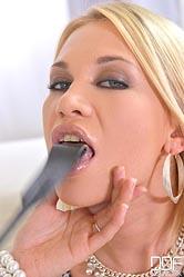 Lindsey olsen ampamp pussykat. Lindsey Olsen & PussyKat